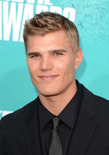 File:Chris Zylka.jpg