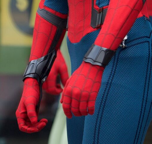 File:Spider-Man - Homecoming - Web-Shooters Set - August 8 2016.jpg
