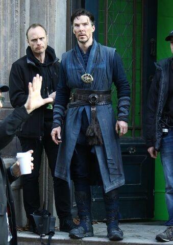 File:Doctor Strange Filming 58.jpg