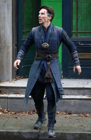 File:Doctor Strange Filming 69.jpg