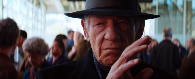 File:Magneto(powers restored) meets Wolverine at the airport.jpg