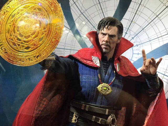 File:Doctor - Strange - 2016 - Hot - Toys - 2.jpg