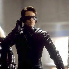 Cyclops leading the X-Men into Ellis Island.