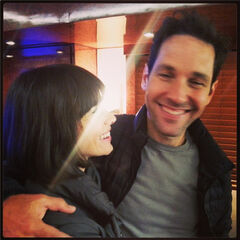Paul Rudd in set with Evangeline Lilly