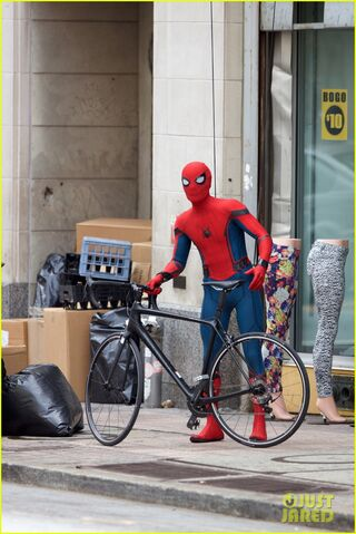 File:Spider-man-swings-into-action-on-set-20.jpg