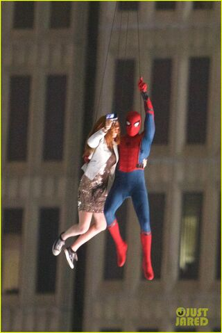 File:Spider-man-stunt-doubles-helicopter-scene-04.jpg