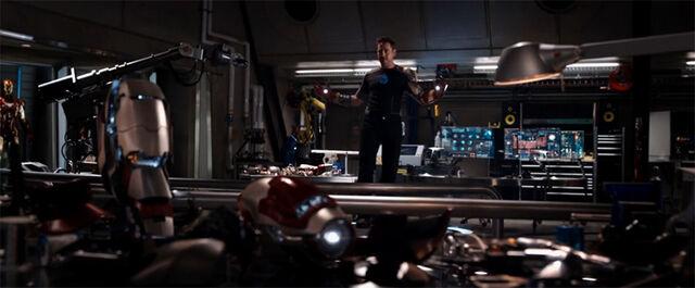 File:Header-iron-man-3-sneak-peek-advancing-the-tech.jpg