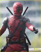 Deadpool-movie-stunt-scene-with-full-suit-reveal-02-filming