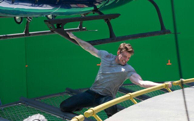 File:Captain America Civil War BTS Filming 02.jpg