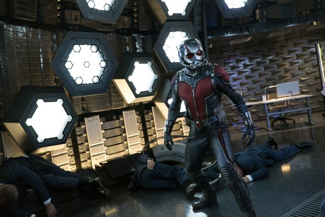 File:Ant-Man 08.jpg