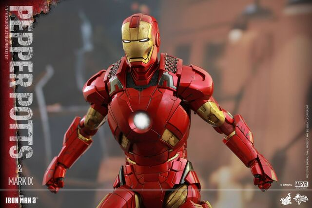 File:Iron Man Mark IX and Pepper Hot Toys 09.jpg