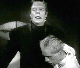 House of Frankenstein (Strange and Karloff) (1)