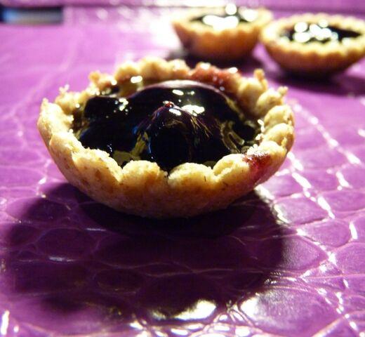 File:Fully-filled-blueberry-jam-mini-tarts-e1349557294939.jpg