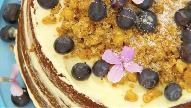 File:Nadia-Sugar-Free-Cake-Detail-S6-Ep5.jpg