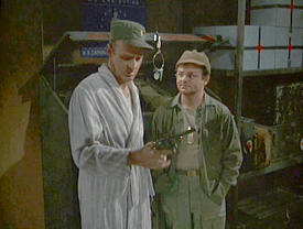 MASH episode-4x15 The Gun - Frank and Rader