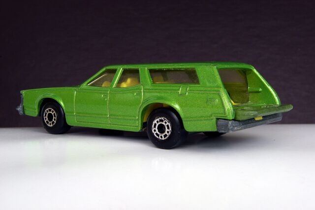 File:Matchbox Cougar Villager - 00116cf.jpg