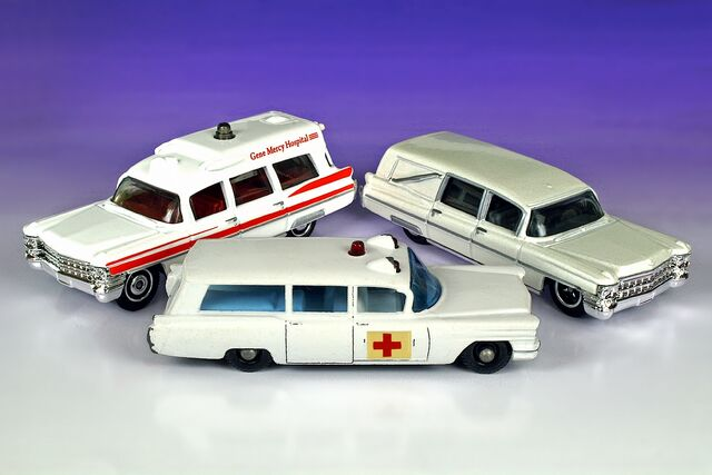 File:3 Different 1963 Cadillacs - 5284df.jpg