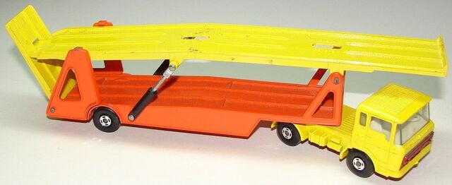 File:6911 DAF Car Transporter.JPG