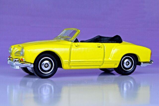 File:1969 Volkswagen Karmann Ghia Convertible - 00354ff.jpg