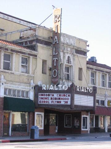 File:MovietheaterFairOaksbigview.jpg