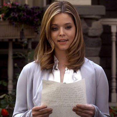 File:Alison-dilaurentis-gray-drape-moto-jacket-pretty-little-liars.jpg