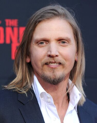 File:Barry+Pepper+Lone+Ranger+World+Premiere+ynQlenzOU1dl.jpg