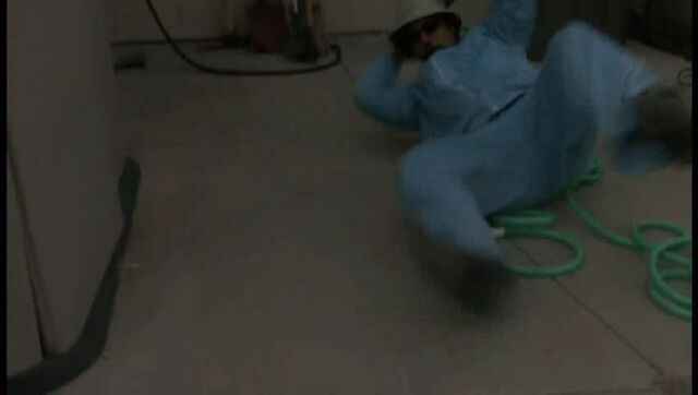 File:V3E5 Horatio falls down.jpg