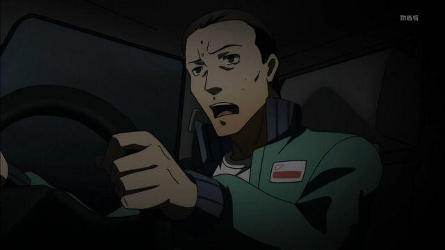 File:Nanatame desperate to getting away from Dojima of chasing him.jpg