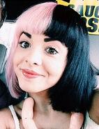 Melanie-martinez-hair-pink-black