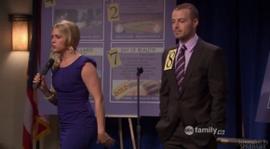 Melissa-joey-season-1-episode-19-auction-hero-290x160