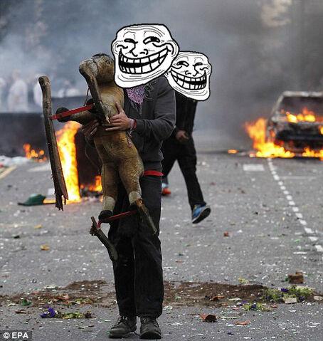 File:London-Riots-3.jpg