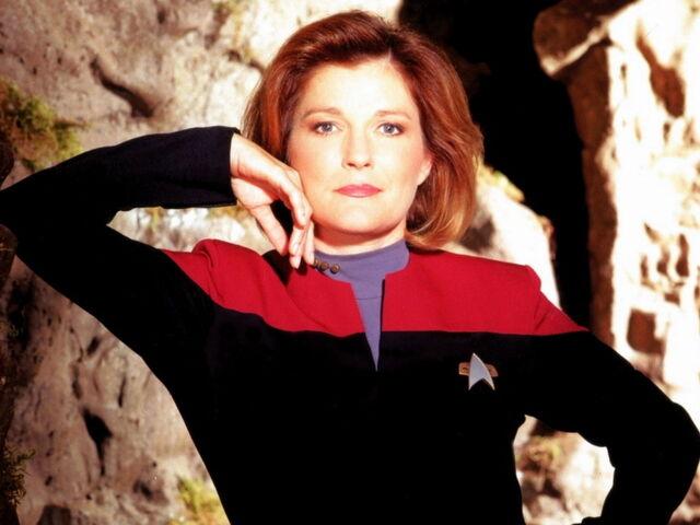 File:Janeway-captain-janeway-fan-club-17344295-1024-768.jpg