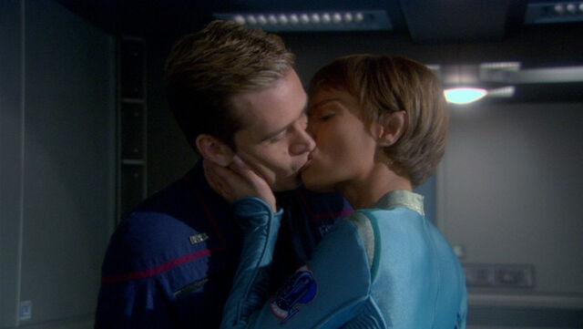 File:TPol kisses Trip.jpg