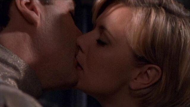 File:Sam and Narim kiss.jpg