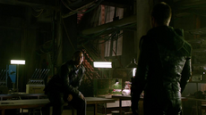 Oliver reveals his identity to Diggle