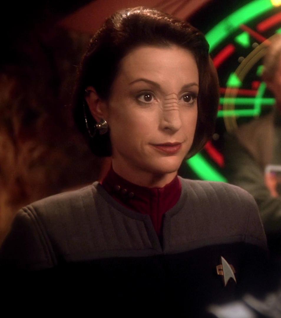 File:Kira Nerys, Starfleet commander.jpg