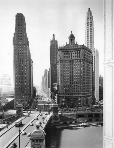 File:Chicago, 1945.png