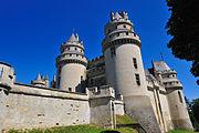 180px-Chateau de Pierrefonds