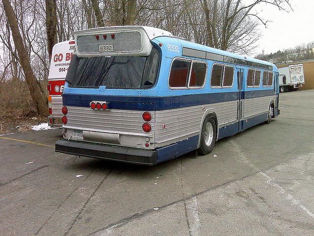 File:Newer Fishbowl Bus - 1970s - CT.jpg