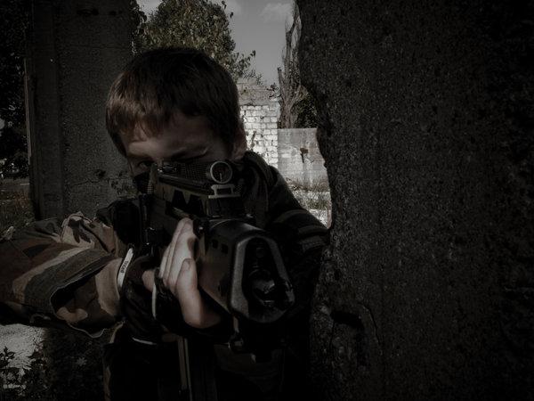 File:Me aiming at enemies by Disiok.jpg