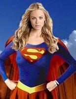 LauraVandervoort Supergirl3jpg 1
