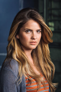 Shelley Hennig1