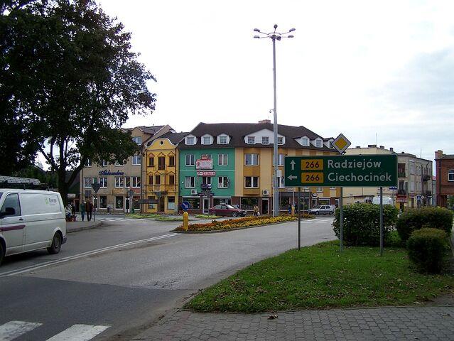 Plik:Centrum Aleksandrowa Kujawskiego.jpg