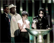 Michael-Jackson-image-michael-jackson-36594961-500-399