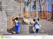 Mickey-minnie-mouse-disney-world-23389874