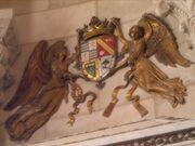 Escudo de la Casa Principesca de Laitec en frontis de palacio de Amberes.jpg