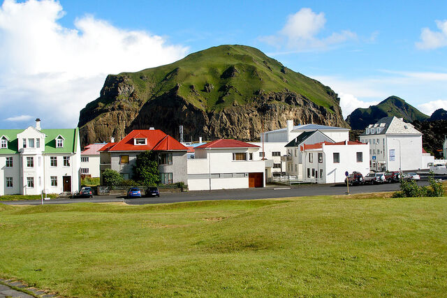File:1024px-Heimaey houses and hill.jpg