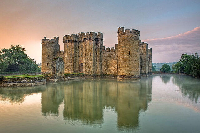 File:Bodiam castle.jpg