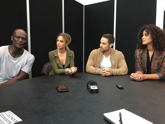 File:Arielle, Peter, Dylan and Parisa Comic Con Interview.jpg