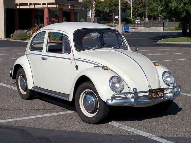 File:800px-VolkswagenBeetle-001.jpg
